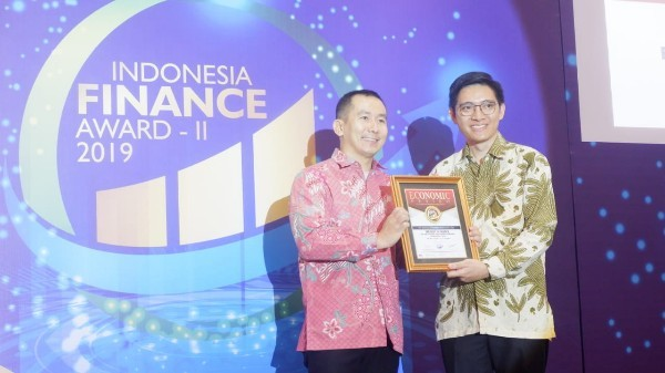 WOM Finance Raih Penghargaan The Best In Finance