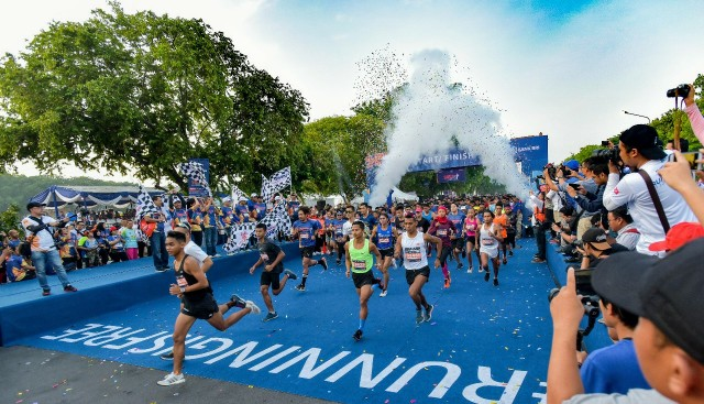 10.000 Runners Ramaikan BRILian Run Surabaya Series