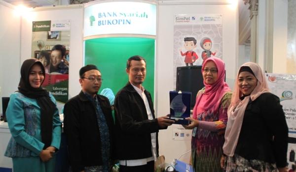 BSB Kenalkan Tabungan SimPel di ISEF Surabaya