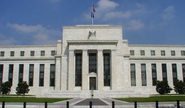 Standchart Proyeksikan The Fed Naik 50 bps Pada 2019