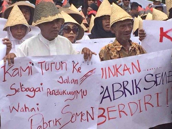 Dukung Operasional Pabrik, Warga Rembang Sambangi Gubernur Jateng