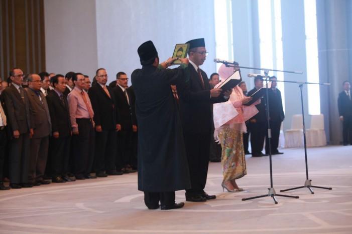Sugeng dan Rosmaya Hadi Dilantik Sebagai Deputi Gubernur BI