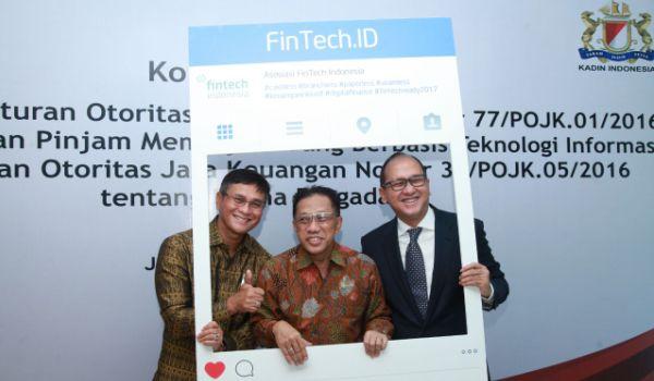 OJK Proses Perizinan 157 Perusahaan Fintech