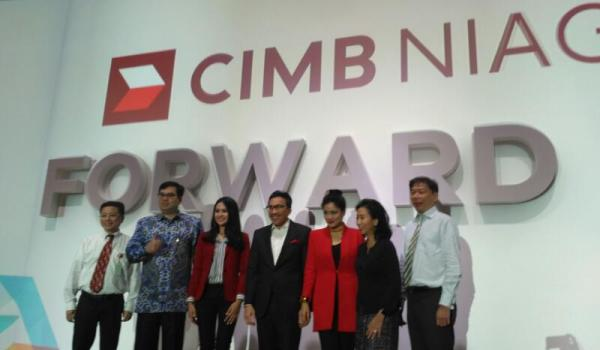 "CIMB Niaga Usung Brand ""Forward"""