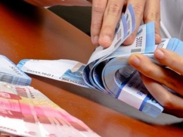 Akhir Pekan, Rupiah Ditutup Menguat pada Level 14.038/US$
