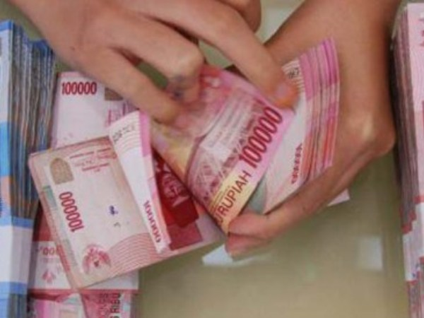 Rupiah Diprediksi Menguat Terbatas Kisaran 14.000/USD