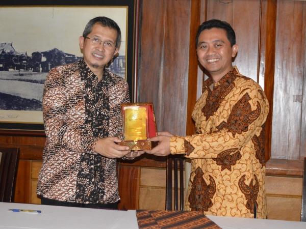 Fokus di UMKM, BPRS Artha Madani Gandeng Jamkrida