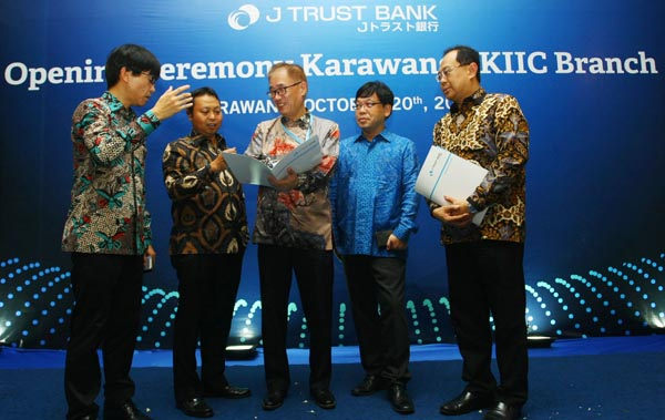 Kantor Cabang J Trust Bank KIIC