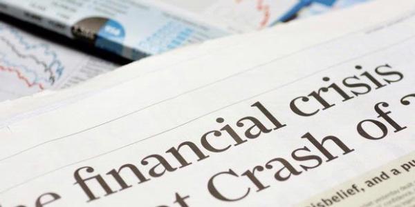 Dollar Dekati Rp15.000, Akankah Krisis Moneter Kembali Terjadi?