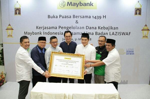 Penyerahan Dana Kebajikan Maybank Indonesia