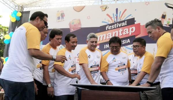 Launching e-Otentifikasi dan Smart Branch System Bank Mantap
