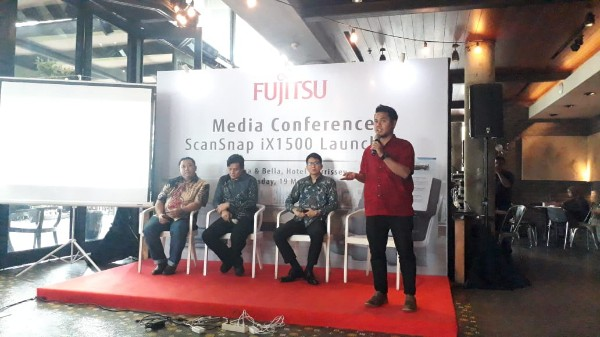 Making Indonesia 4.0, FUJITSU Hadirkan Scanner AI