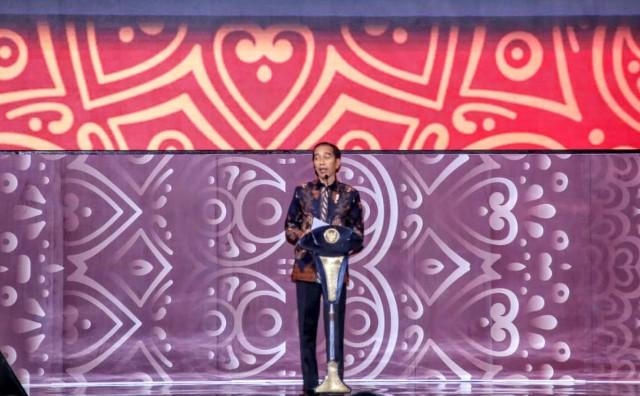 Jokowi Peringatkan OJK Pentingnya Reformasi Industri Asuransi