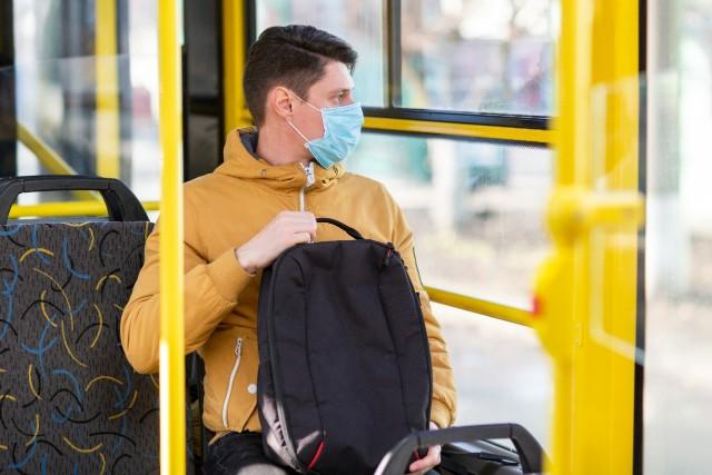Tips Aman Naik Transportasi Umum yang Aman saat New Normal