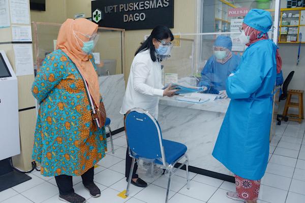 Registrasi Nakes Penerima Vaksin Bisa Melalui WA