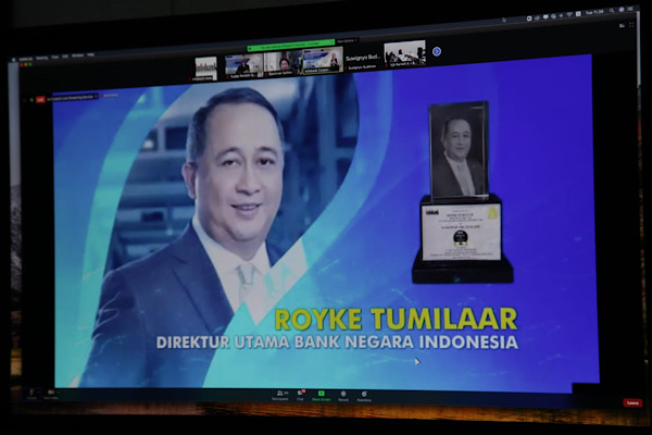 Royke Tumilaar Raih Infobank Bankers of The Year 2020
