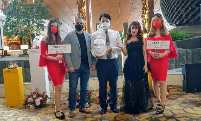 Masker Elektronik Asal Korea Ini Laku Keras