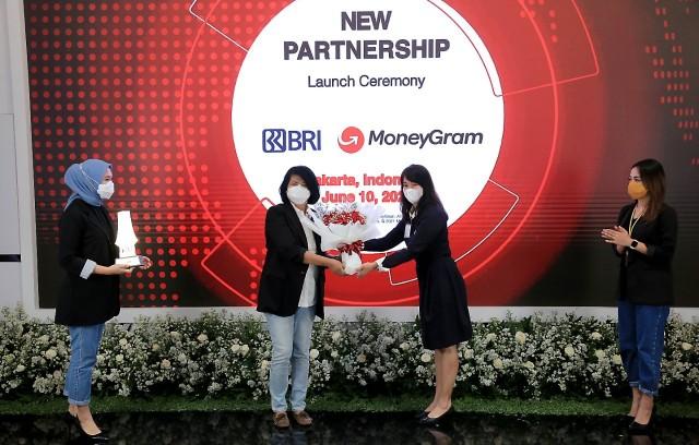 BRI gandeng MoneyGram Tingkatkan Bisnis Remitansi