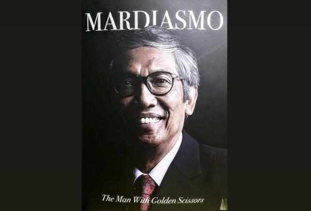 Mardiasmo Pria Bersahaja dengan Gunting Emas