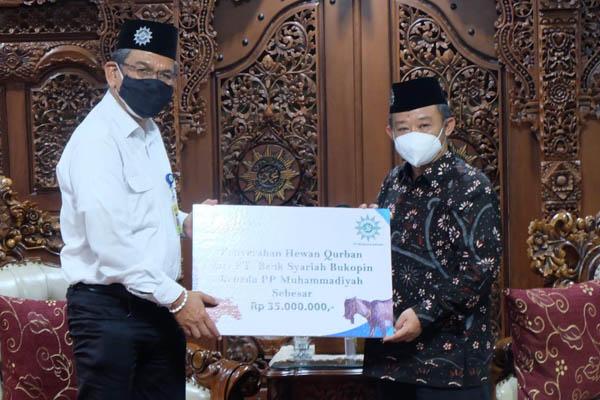 BSB Serahkan Simbolis Hewan Qurban ke PP Muhammadiyah